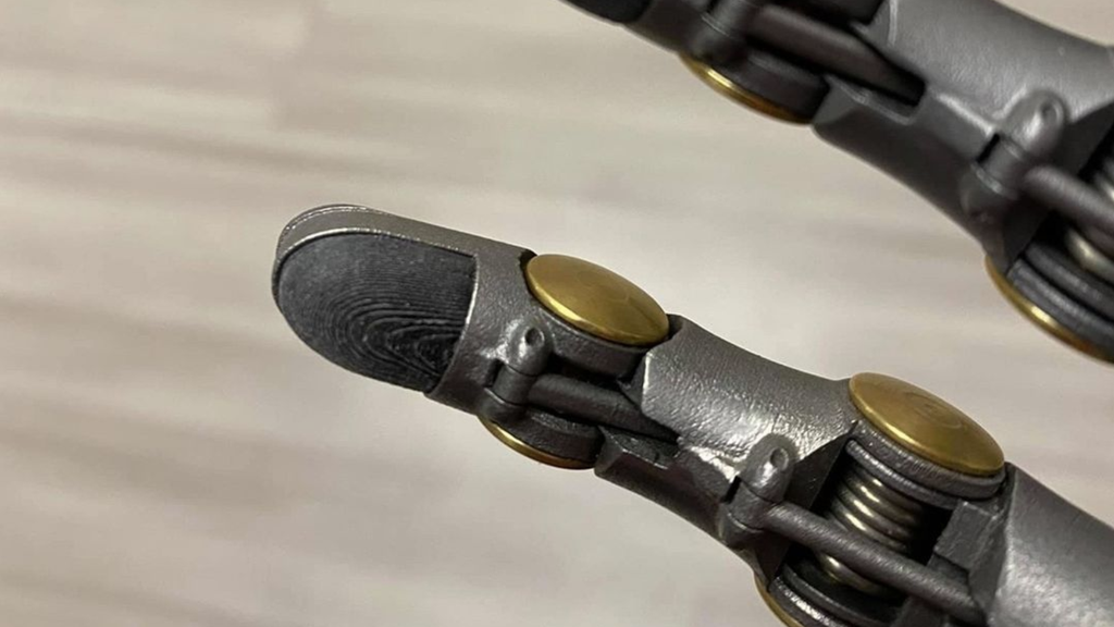 Point Designs patients with prosthesis